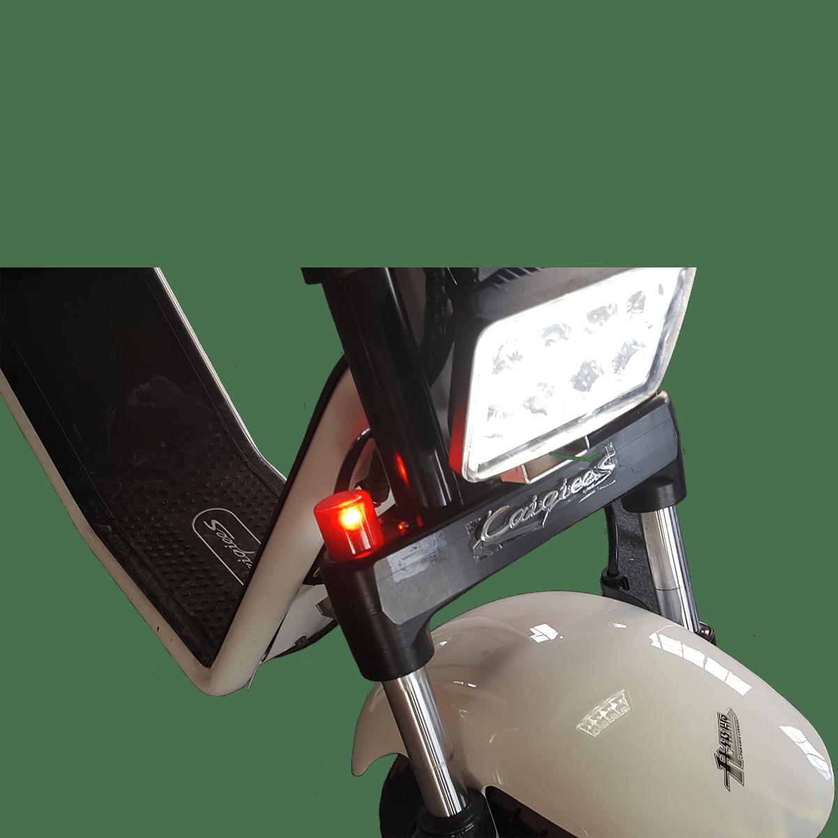 Caigees est équipée d'un éclairage LED avant